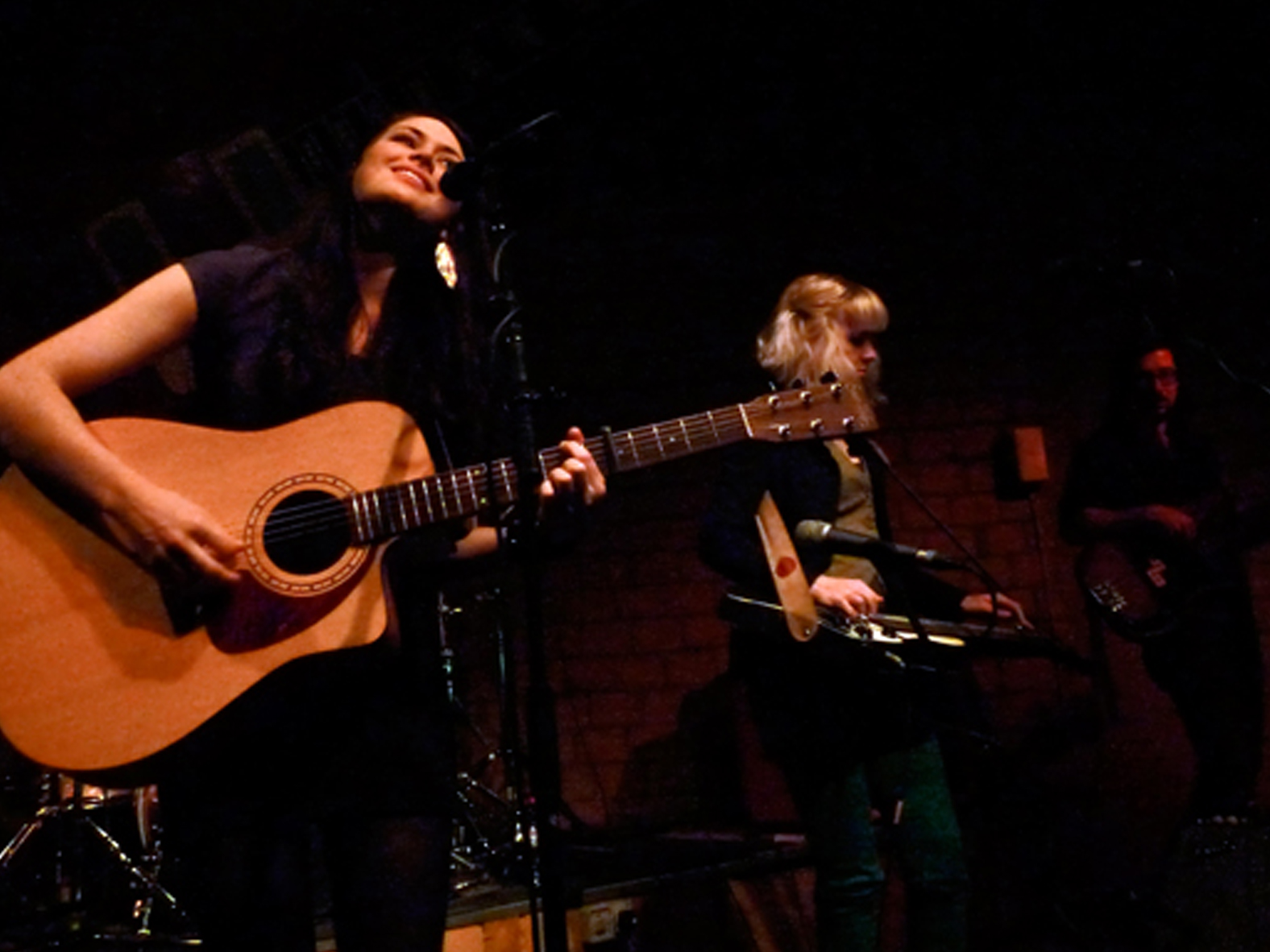 larkinpoe-bluesgarage-spring