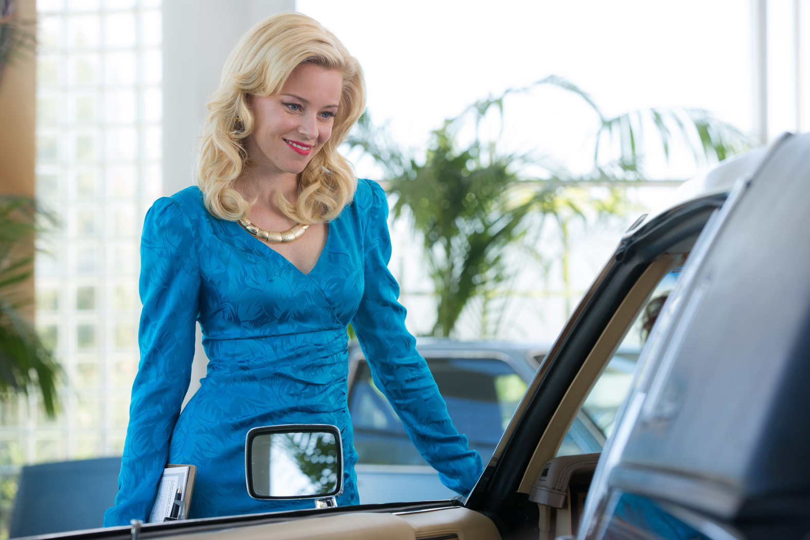 Elizabeth Banks / Love & Mercy
